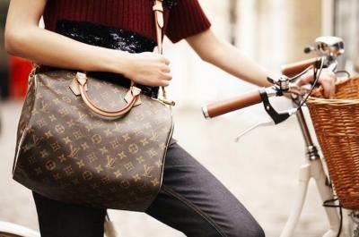 在法國LV工作的女孩告訴你,為什麼法國人能駕馭奢飾品,而你還不行