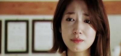 如果你的女人曾在你面前哭了,是男人你就該看,看了就會明白!