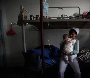 看看真實的餵奶!女人們看哭,男人們沉默! 致偉大的母親