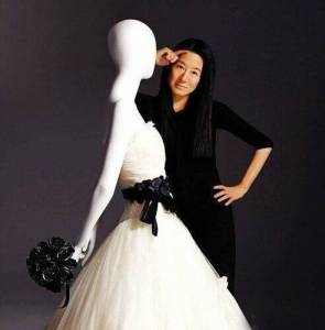 全美國最帥的27歲帥哥,被一個中國63歲老太太娶走了,太勵志!