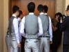新娘家要¥9999元紅包否則不開門,新郎拂袖而去。