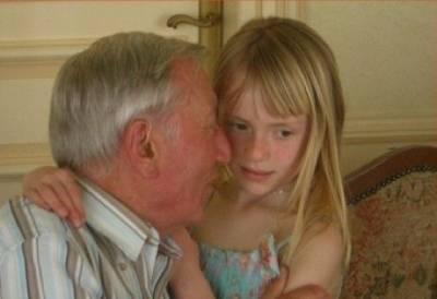 老頭總不能跟充氣娃娃過一輩子!他與嬌妻 小三的波折故事...妳懂了嗎?