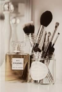 化妝台上的收納術!超整齊,多種化妝品收納靈感,你可以這樣做....│Styletc樂時尚