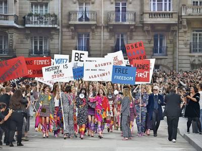 2015春夏女裝周專輯-巴黎一個世代的告別和開始
