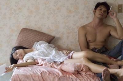 這老公太了不起!老婆在外面有了親密的男人,老公竟然這樣對她說........