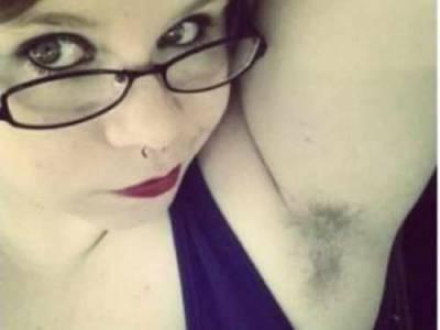 歐美掀起集體曬體毛活動,女孩們都把腋下打開吧