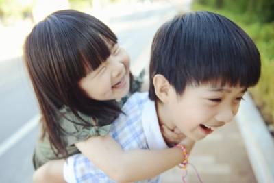 七個原因證明給你看,有親姐妹的男人是最佳男友人選,姐妹們會先幫你調教他~~