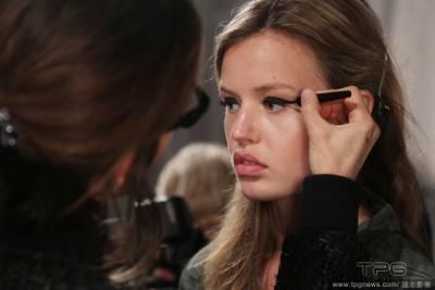 看完你就會化眼線了!5個被彩妝師天天掛在嘴邊的眼妝秘訣│美麗佳人Marie Claire