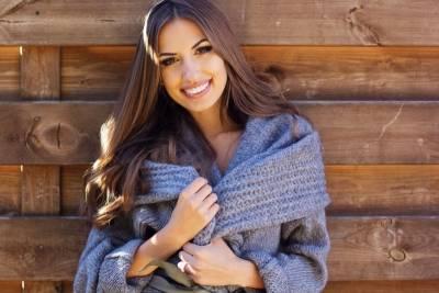 女性秋冬最愛穿著!針織衫 圍巾與平底鞋