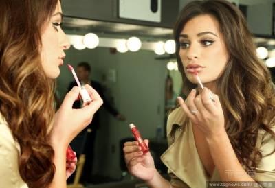 別讓唇紋害你顯老!3個比挑色還重要的唇部保養技巧│美麗佳人Marie Claire