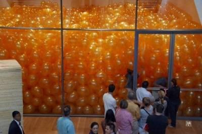 50個人走進裝滿氣球的房間後,發生意想不到的事!终生受用!