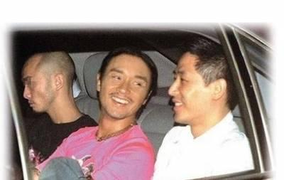 「唐鶴德」守寡十年,終找到翻版張國榮!!20歲新歡樣貌清秀~