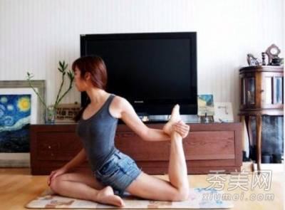 韓國朋友每個腿都超長?原來有這樣的「韓式美腿法」!!