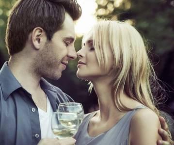 男人不帥 + 女人很美 = 幸福婚姻