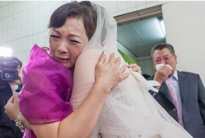 媽媽給出嫁的女兒這番話!爸爸給結婚的兒子這番話。