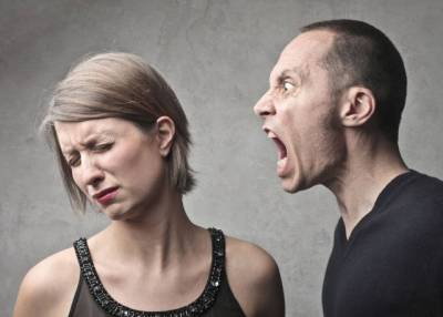 """男人大吼:""""你不就是嫌我窮嗎?!""""女人的回覆太精彩了!"""