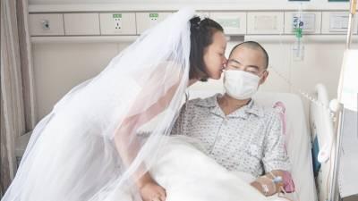 女生向絕症男友求婚,真愛超越生命