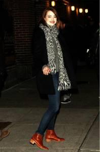 【街拍速報】一雙靴子6款搭配!女神艾瑪史東親自示範街頭簡易穿搭!│美麗佳人Marie Claire