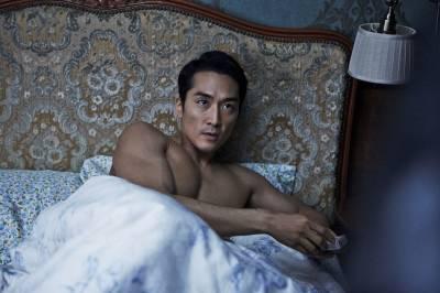 丈夫出差回家,看到心愛的妻子與上司睡在床上‧‧‧‧‧‧