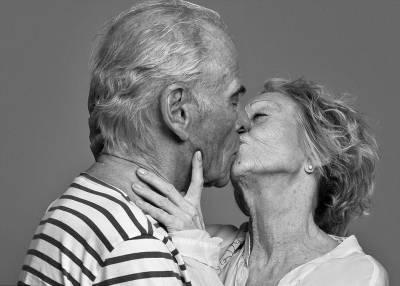 攝影師告訴你親吻是一件時尚的事