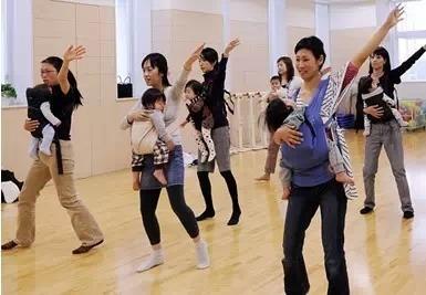 各國「全職媽媽」待遇!這個國家竟提供退休金!!台灣的媽媽真的太辛苦了…