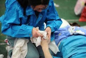 地震十大觸動心靈故事!母親以身護子遺言:如果你活下來了…一定要記得我愛你!