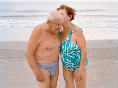 一組結婚超過50年的老爺爺老奶奶的故事回憶裡的一些小點滴..每一句都透露著滿滿的愛..