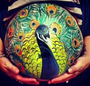 英國畫家在130多位孕婦肚皮上作畫,每一幅都好美