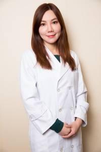 時尚名媛╳美女醫師:剖析英倫王妃級底妝「肌」密│FG美型誌