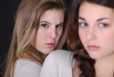 不准跟其他女生說話!愛吃醋的4種解決方法大公開....