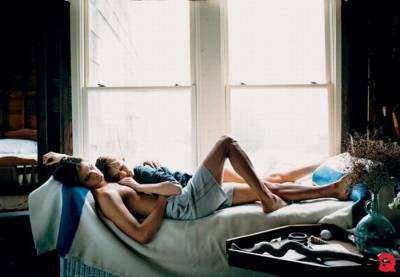 晚上,男人摟著睡在肩膀上的妻子,竟然幹出這樣的事.... 洋蔥)