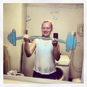 超酷!這個挪威女生發明了一種自拍新玩法,快來試試看!