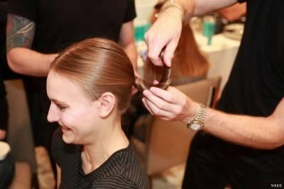 與婚紗絕配的優雅髮髻5步驟
