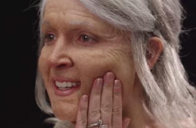 一起變老!年輕情侶化老妝 !看到90歲的最愛感動落淚…