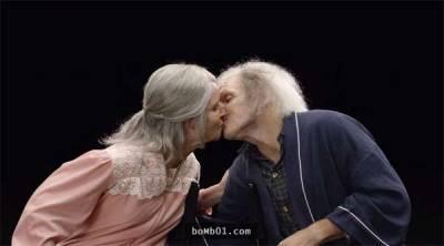 一對新人鼓起勇氣將彼此化妝成50 70 90歲的模樣,我們無法預知幾十年後會發生什麼...但他們的真情真的讓數10億人感動落淚了!