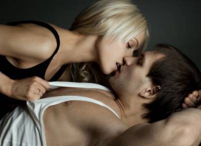 再漂亮的女人都會被男人壓在身下,再帥氣的男人都會跪在女人兩腿之間!(說的太好太有道理了!)