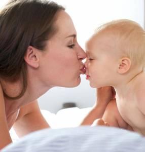 為什麼戀愛中的人要用接吻來表達愛意