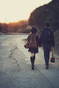 再晚也堅持要送妳回家…男友這些溫柔舉動讓女生覺得心暖暖│妞新聞