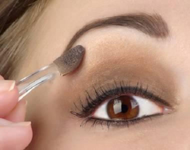 只要幾個簡單診斷就好!挑選適合我的「眼影」,從膚色與髮色判斷不會錯....