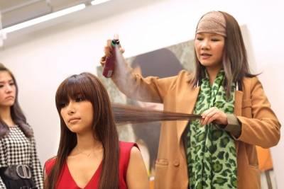 不用燙髮 不用電棒!用一根「橡皮圈」與吹風機就可以變浪漫捲髮?!在家也可以簡單完成.....