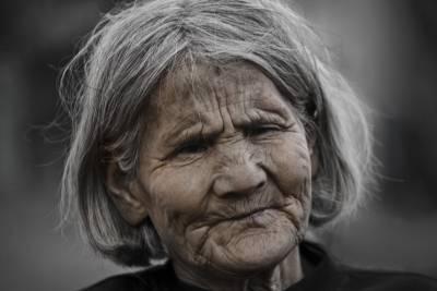 極度厭惡只有一隻眼睛的媽媽,在她死後才發現讓我無地自容的真相…
