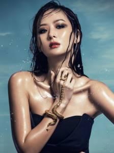 孫芸芸 愛在夏天.性感魅力狂發│ELLE 她雜誌
