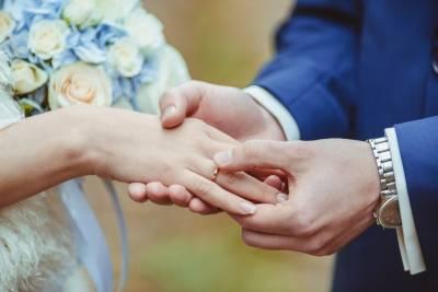 「讓我們以結婚為前提交往好嗎?」感謝你的出現,讓我遇見了你....你好,右邊先生!│圓神出版社