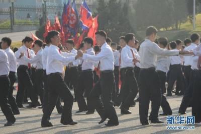 揭祕朝鮮人的愛情!!男男跳舞是很正常的事....