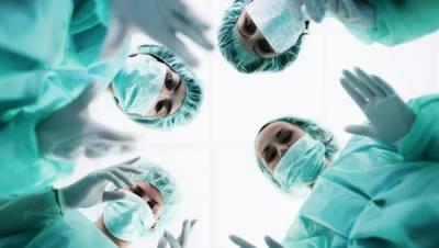如果手術室裡是你的兒子,你能冷靜嗎
