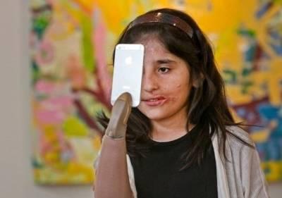 【阿富汗7歲倖存者用義肢作畫】如果沒戰爭,她本來是個很美的女孩子!