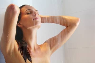 女性常用冷水洗澡易惹婦科病
