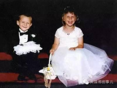 17年前,他們兩個是一對花童!17年後,他們竟然在同一個地方做了這種事...也讓人太羨慕了吧!