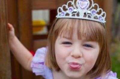 【爆紅短片】「外國小女孩耍爸爸」的超萌女孩驚傳過世