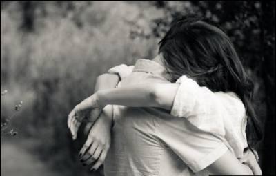 如果一個人的愛有十分,那愛一個人不要超過八分,剩下拿來....